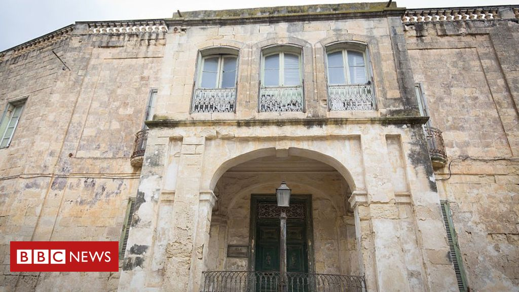 Queen Elizabeth's former Malta home Villa Guardamangia on sale